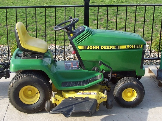 1996 John Deere Lx188 Lawn Tractor 17hp Liquid Cooled