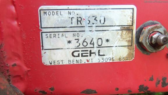 2002 Gehl 1275