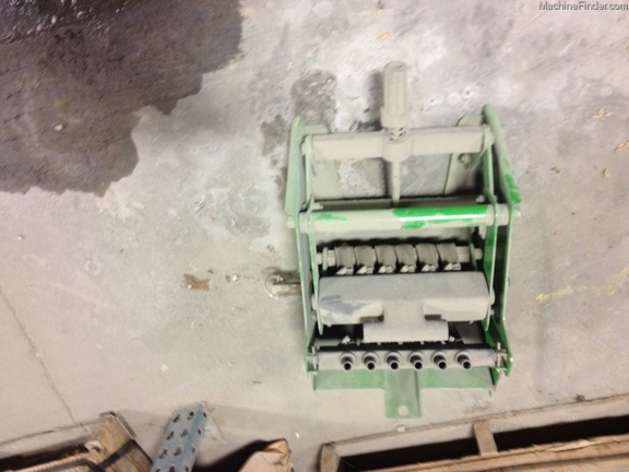 John Deere 6 Row Squeeze Pump