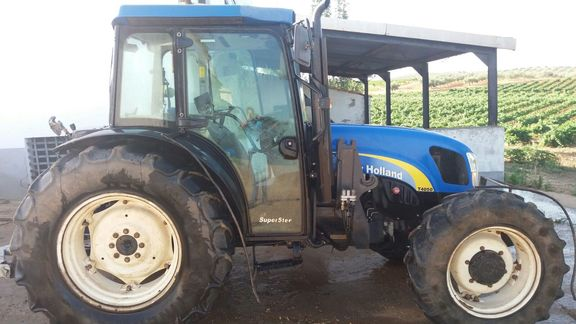 New Holland T4050 4WD