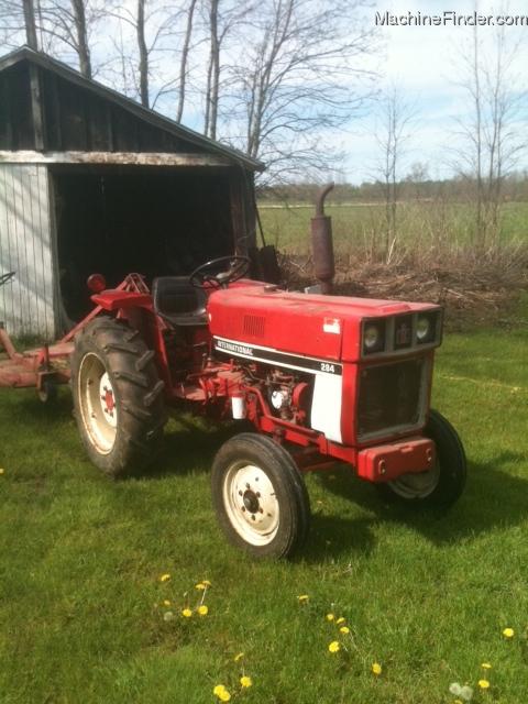 International Harvester 284 Tractor : International harvester tractors compact