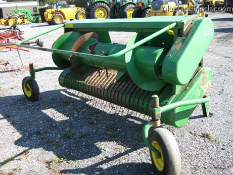 2000 John Deere 7 Pick up head