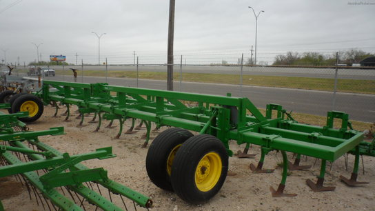 Roll-A-Cone 28 Ft Chisel Plow