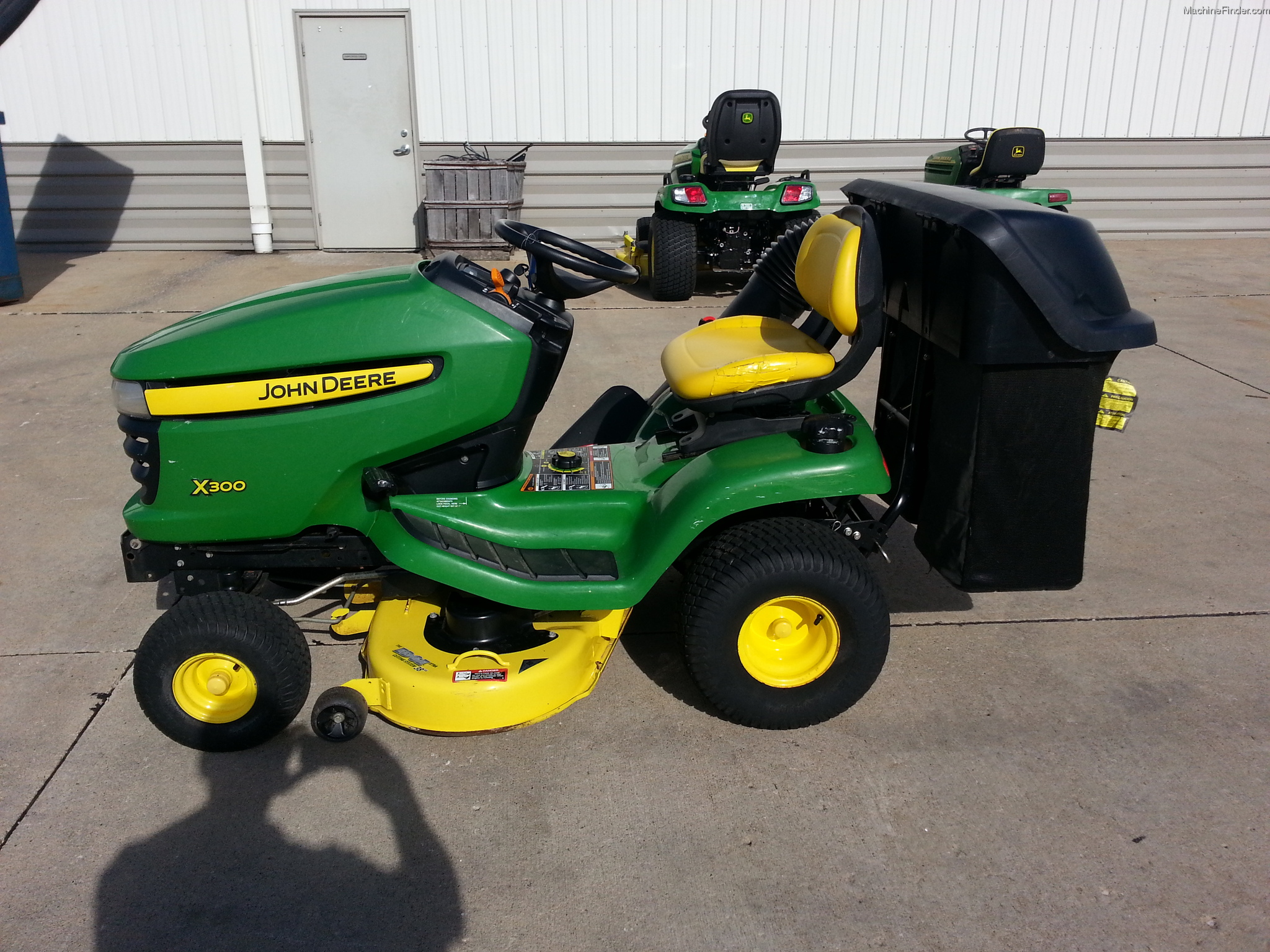2008 john deere x300 lawn garden and commercial mowing. Black Bedroom Furniture Sets. Home Design Ideas