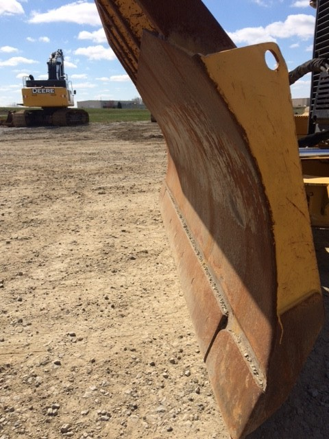 Detail photo of 2011 John Deere 550J from Construction Equipment Guide