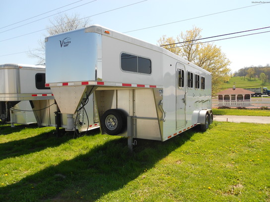 2011 EBY EBY NEW 4 HORSE TRAILER SLANT W/DRESSING ROOM