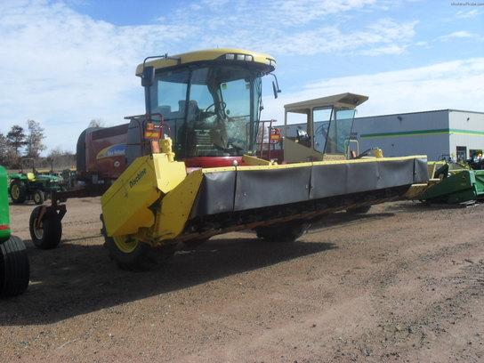 2011 New Holland H8080