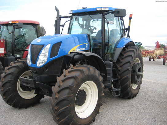 2010 New Holland 7050