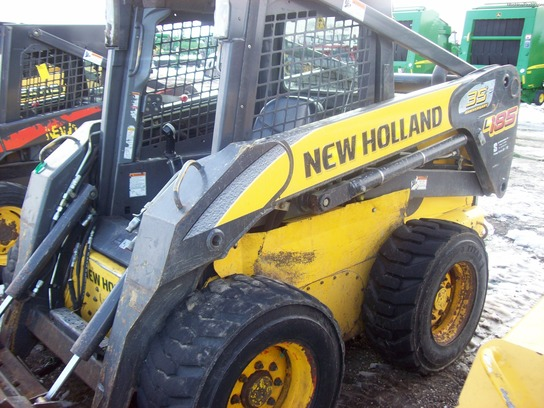 2008 New Holland L185