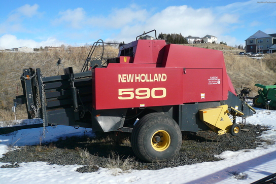 1998 New Holland 590