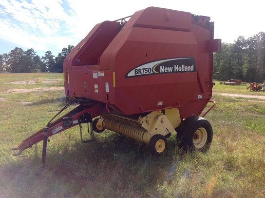 2008 New Holland BR750