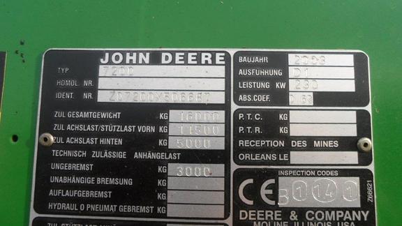 John Deere 7200