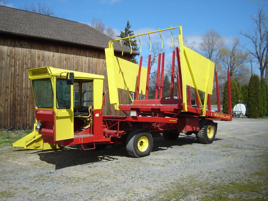 1975 New Holland S-1049