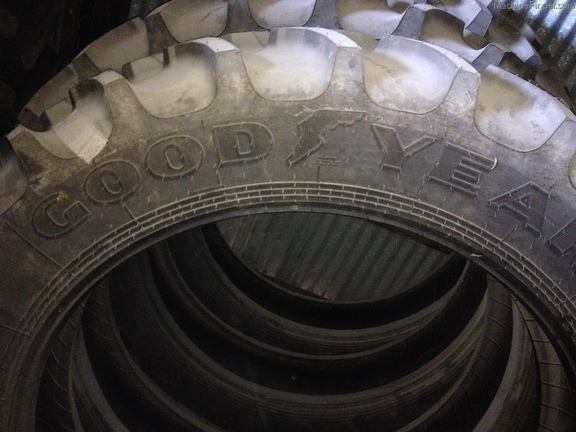 Goodyear 380/90R46