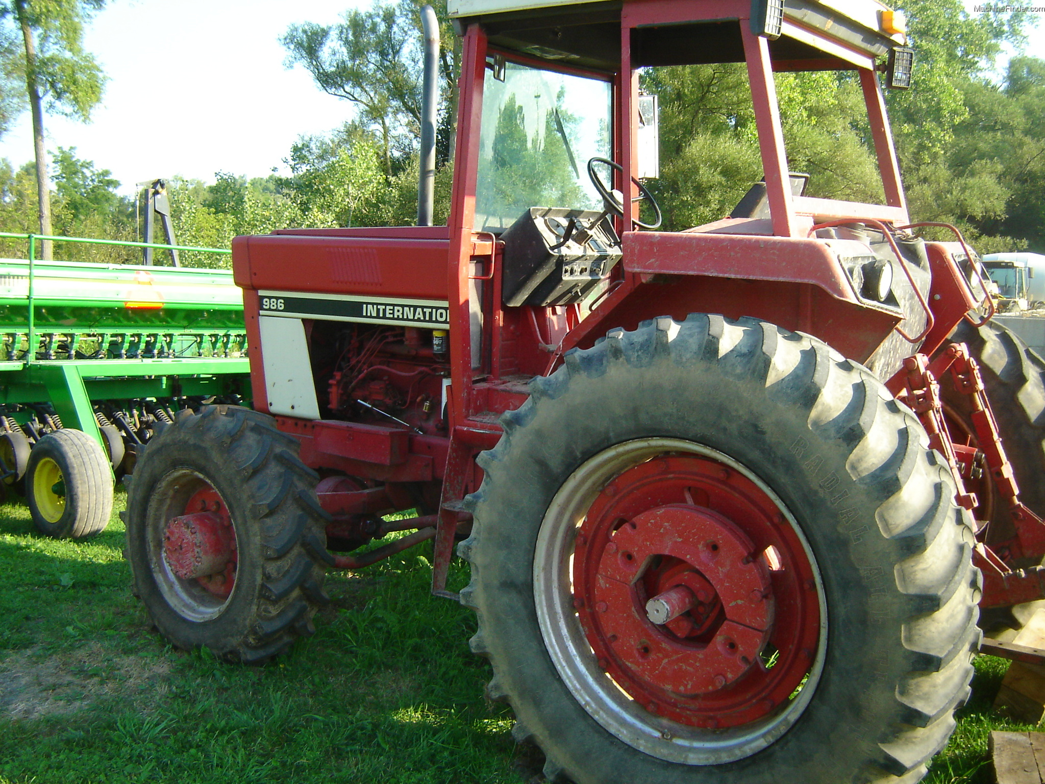 International Harvester 986 Tractor : International harvester tractors row crop hp