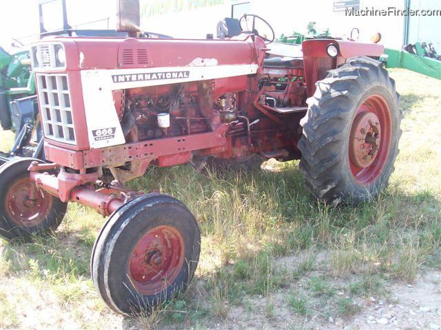 1973 International Harvester 666 Tractors