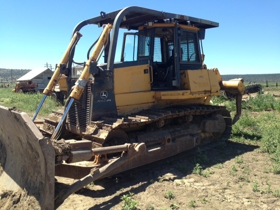 Detail photo of 2004 John Deere 950C from Construction Equipment Guide