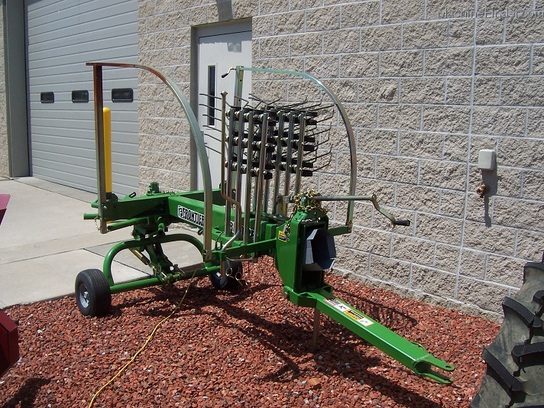 2009 Frontier RR1012E Rotary Hay Rake (built by Tonutti)