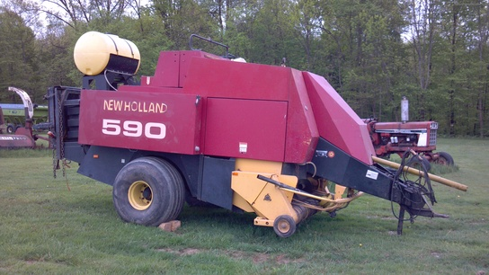 1997 New Holland 590