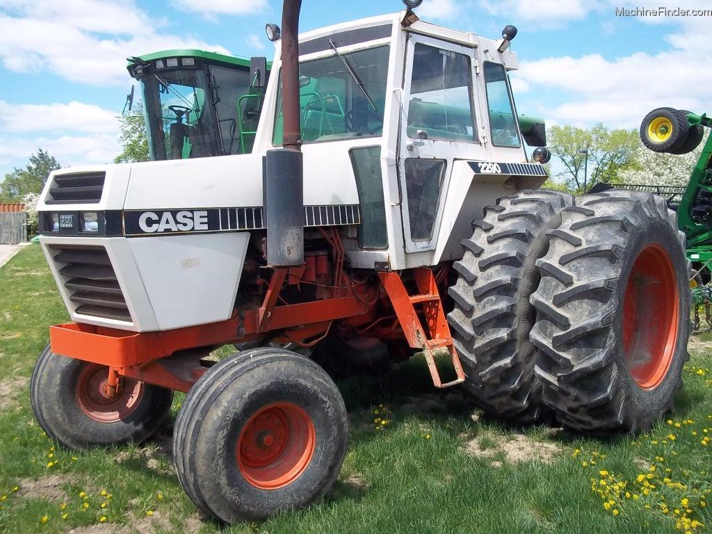 1982 Case Tractors : Tweet