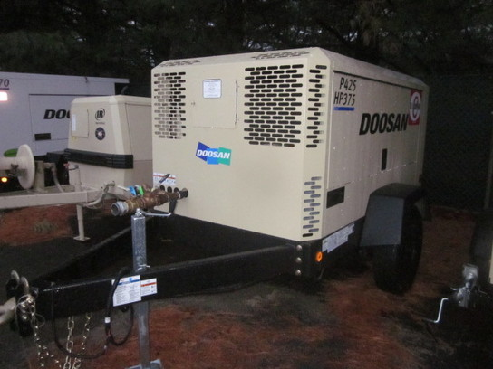 Detail photo of 2013 Doosan H425 from Construction Equipment Guide