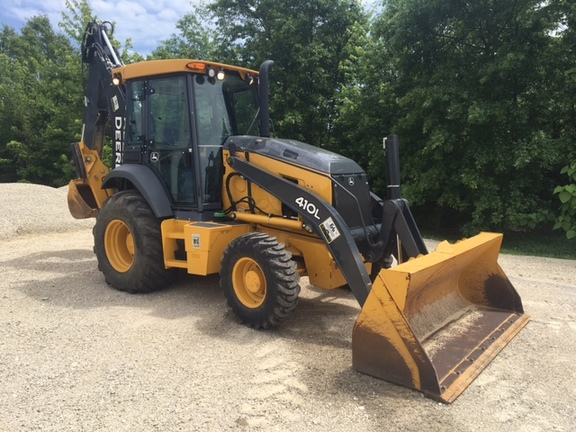 Detail photo of 2015 John Deere 410L from Construction Equipment Guide