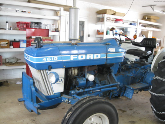 1987 New Holland 4610