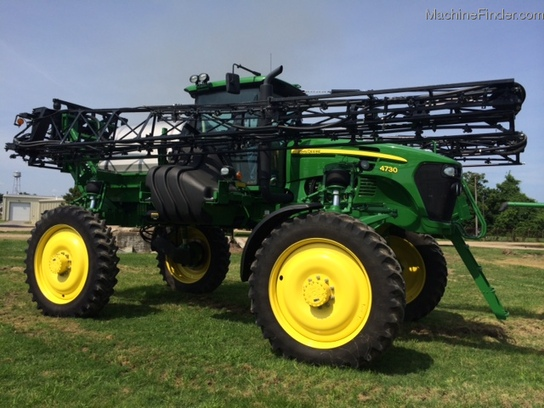 Self-Propelled John Deere 4730 Sprayer