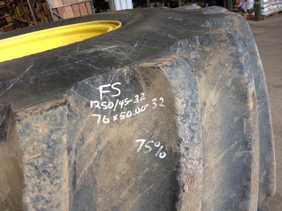 John Deere FS 76/50.00-32 FLOATERS