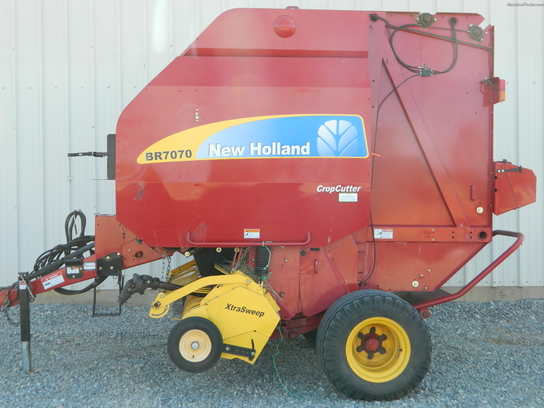 2009 New Holland BR7070