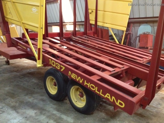 New Holland 1037
