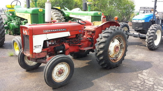 1967 International Harvester 424