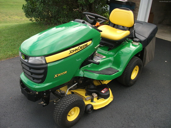 2012 john deere x300r lawn garden and commercial mowing. Black Bedroom Furniture Sets. Home Design Ideas