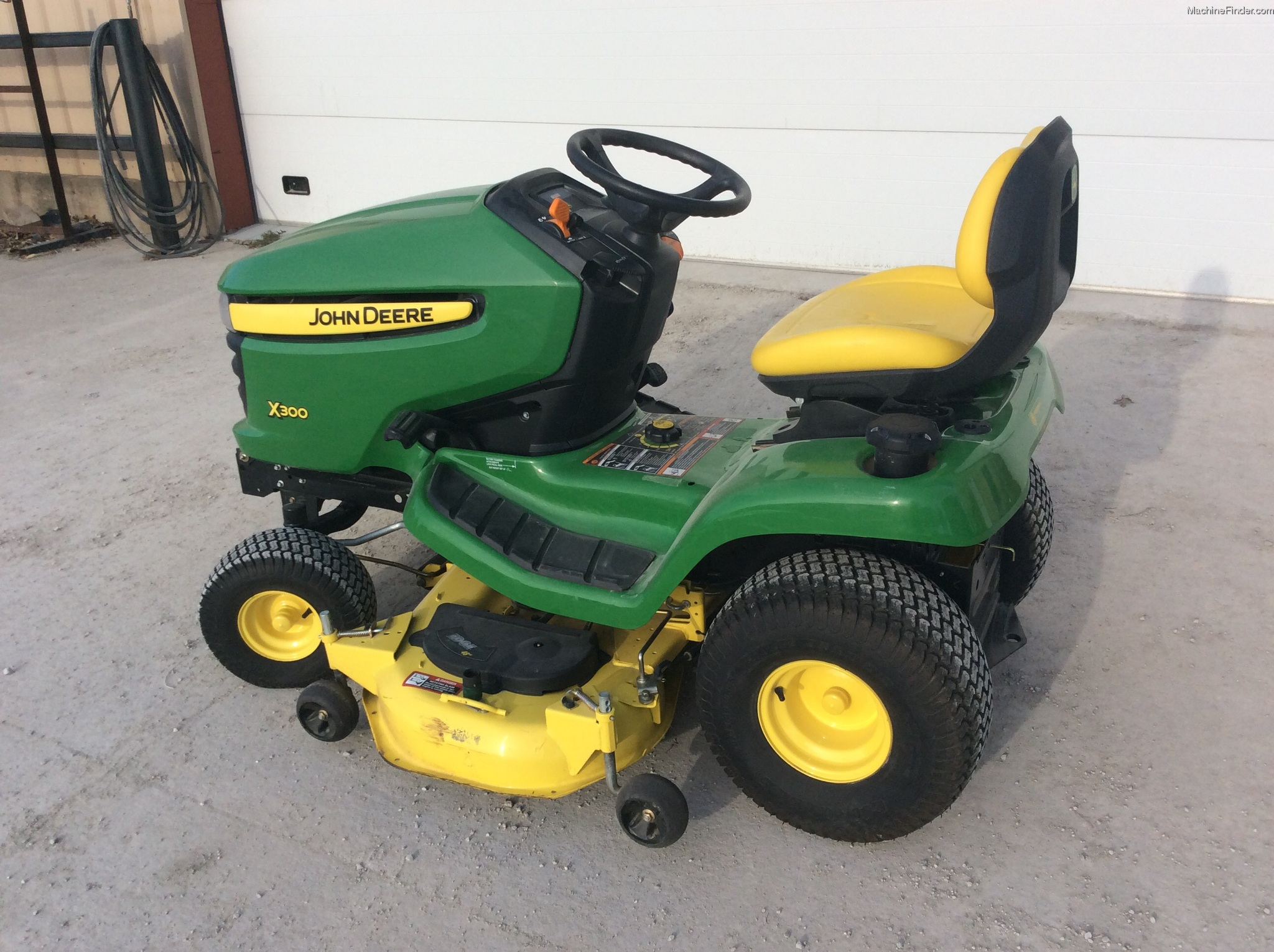 2012 john deere x300 lawn garden and commercial mowing. Black Bedroom Furniture Sets. Home Design Ideas