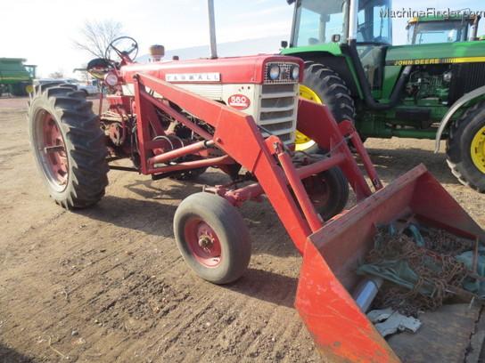 1960 International Tractor : International harvester d tractors row crop