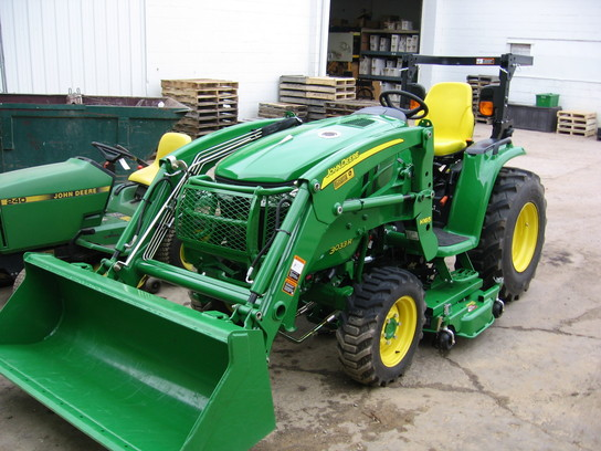 John Deere 3033 : Equipment search