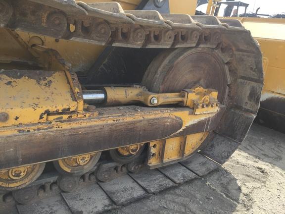 Detail photo of 2014 John Deere 650K from Construction Equipment Guide