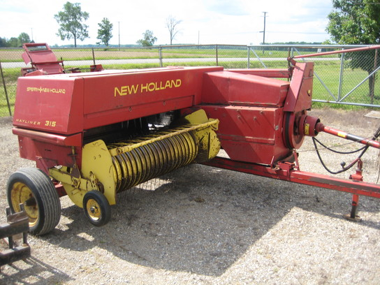 1977 New Holland 315