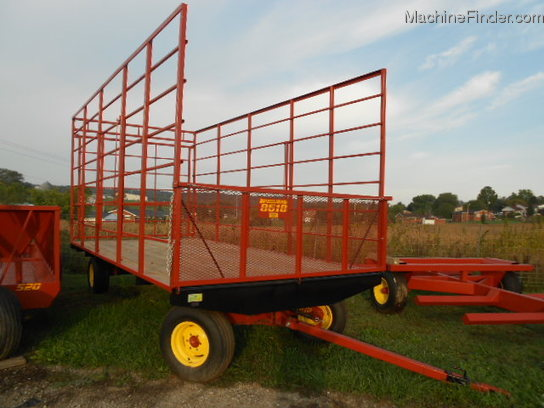 2012 Pequea NEW 8618 BALE WAGON ON A 806 RUNNING GEAR