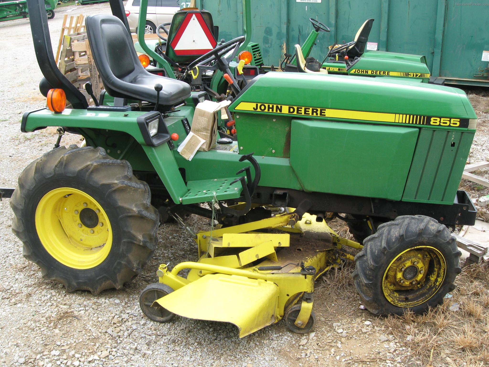 1986 John Deere 855 Tractors - Compact (1-40hp.) -