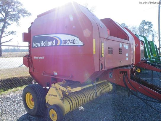 2007 New Holland BR740