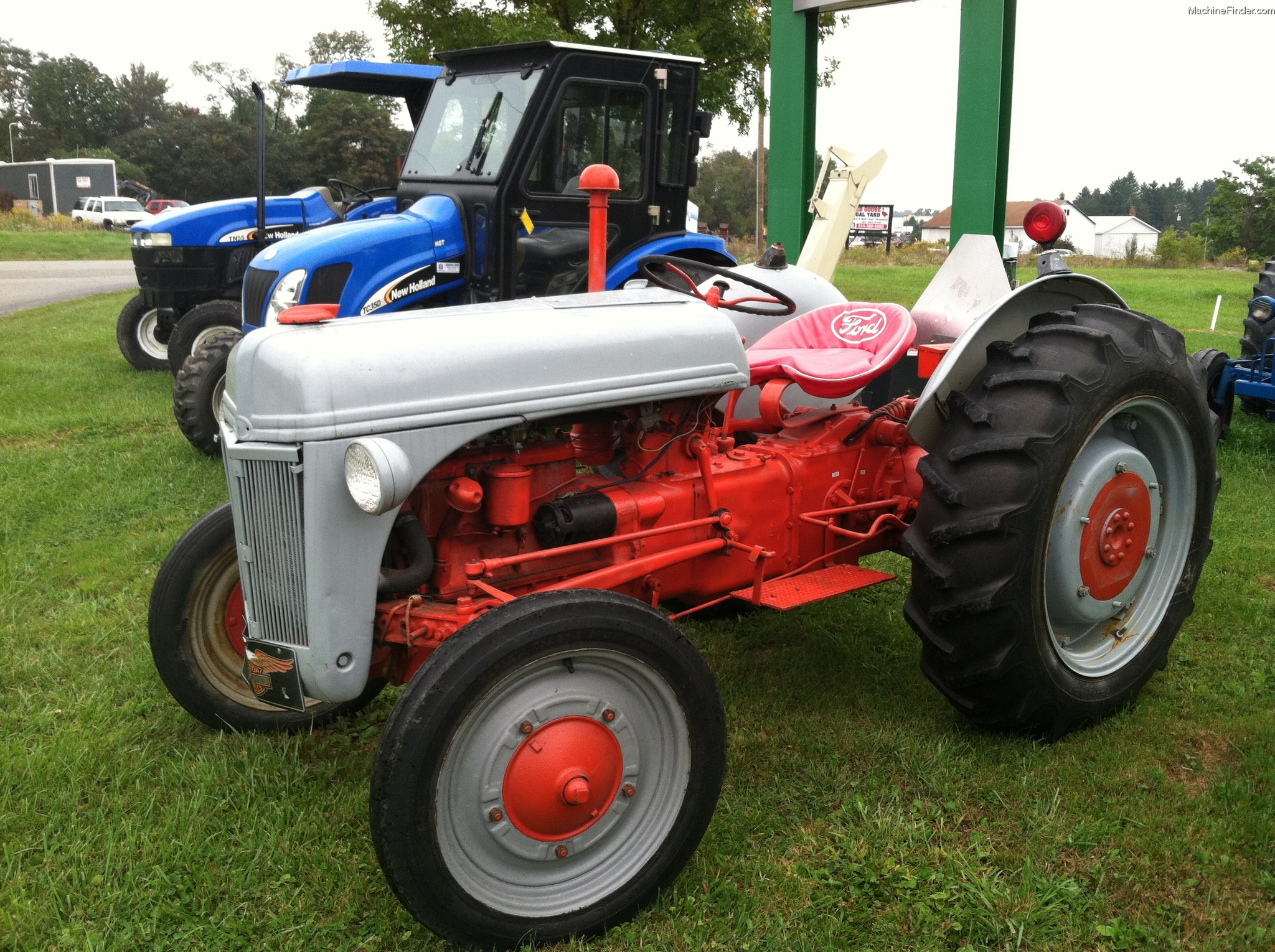 Ford 4000 Tractor Fenders : Used ford tractor engine free image for user