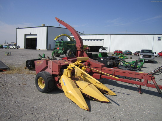 1991 New Holland 900 Chopper