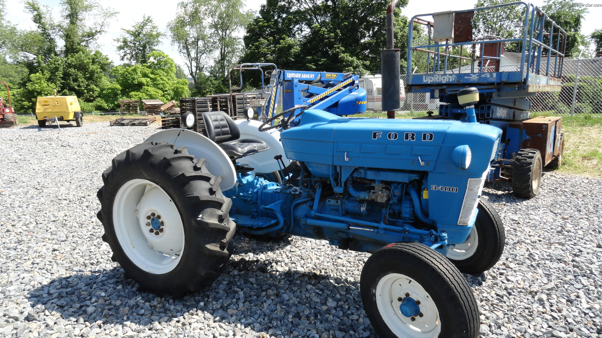 Ford 3400 Tractors - Utility  40-100hp