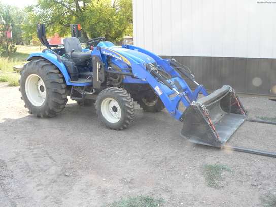 2008 New Holland T2320