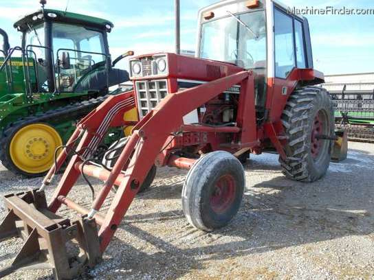 International Harvester 986 Tractor : International harvester