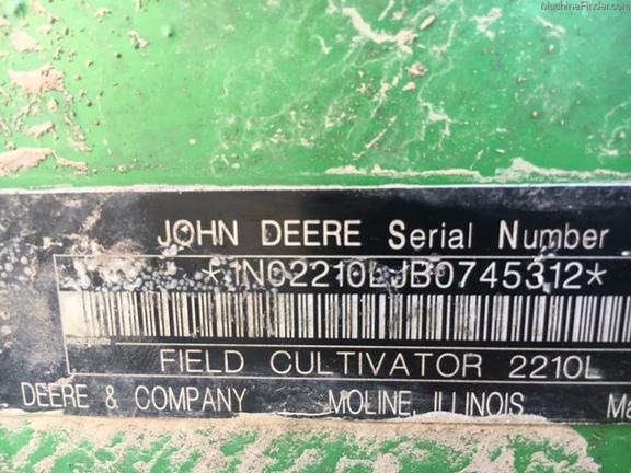 John Deere 2210