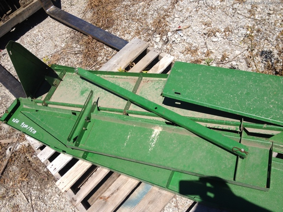 John Deere 9500/9510 grain tank extension