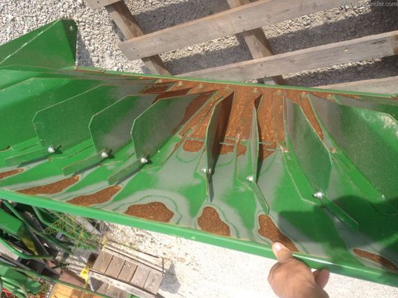 John Deere CHOPPER DEFLECTOR