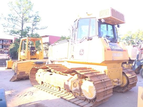 Detail photo of 2014 John Deere 750K from Construction Equipment Guide
